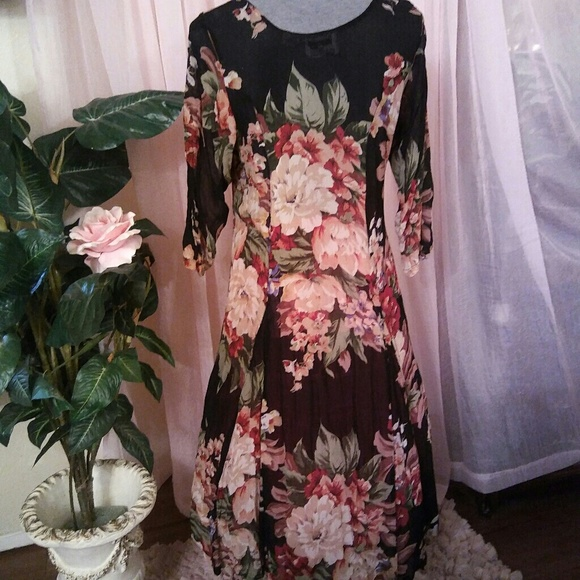 New Options Dresses & Skirts - Gorgeous Sheer Floral Maxi